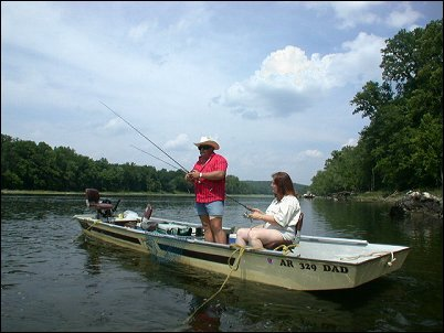 6 arkansas white river trout fishing outfitters guides for Fishing resorts in arkansas